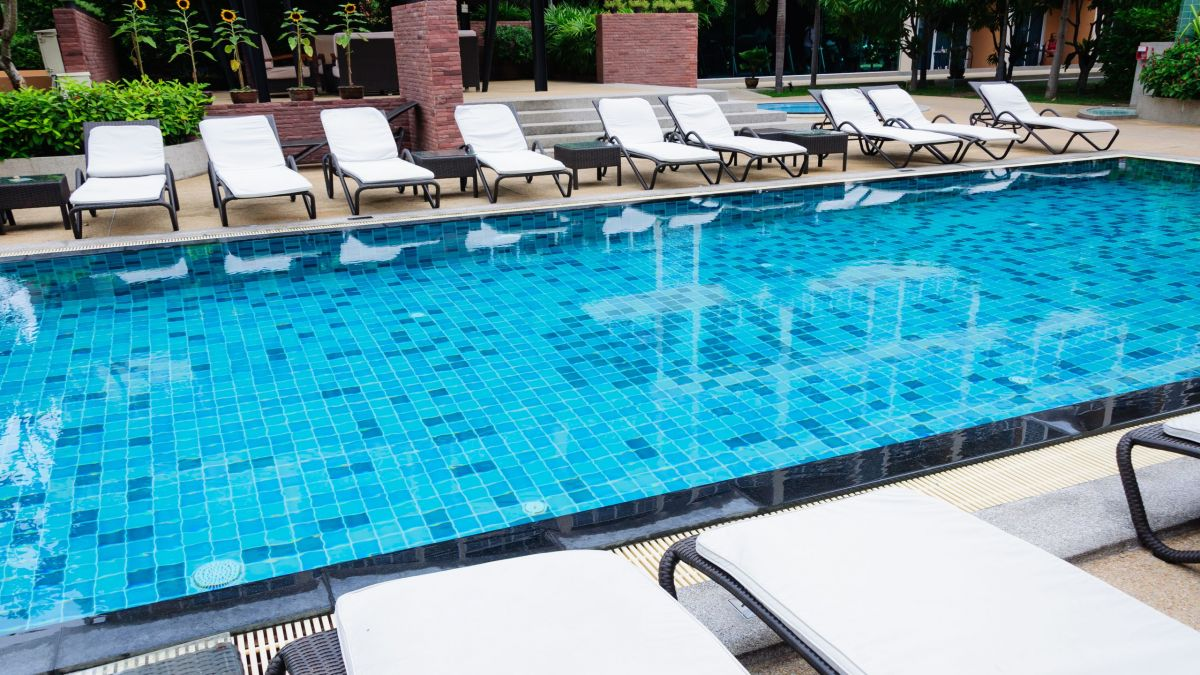 Reno swimming pool costs homeyou for Swimming pool estimate