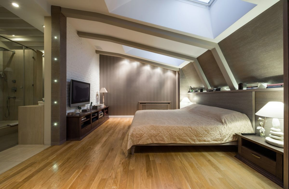 Amazing master bedroom in attic with full bathroom
