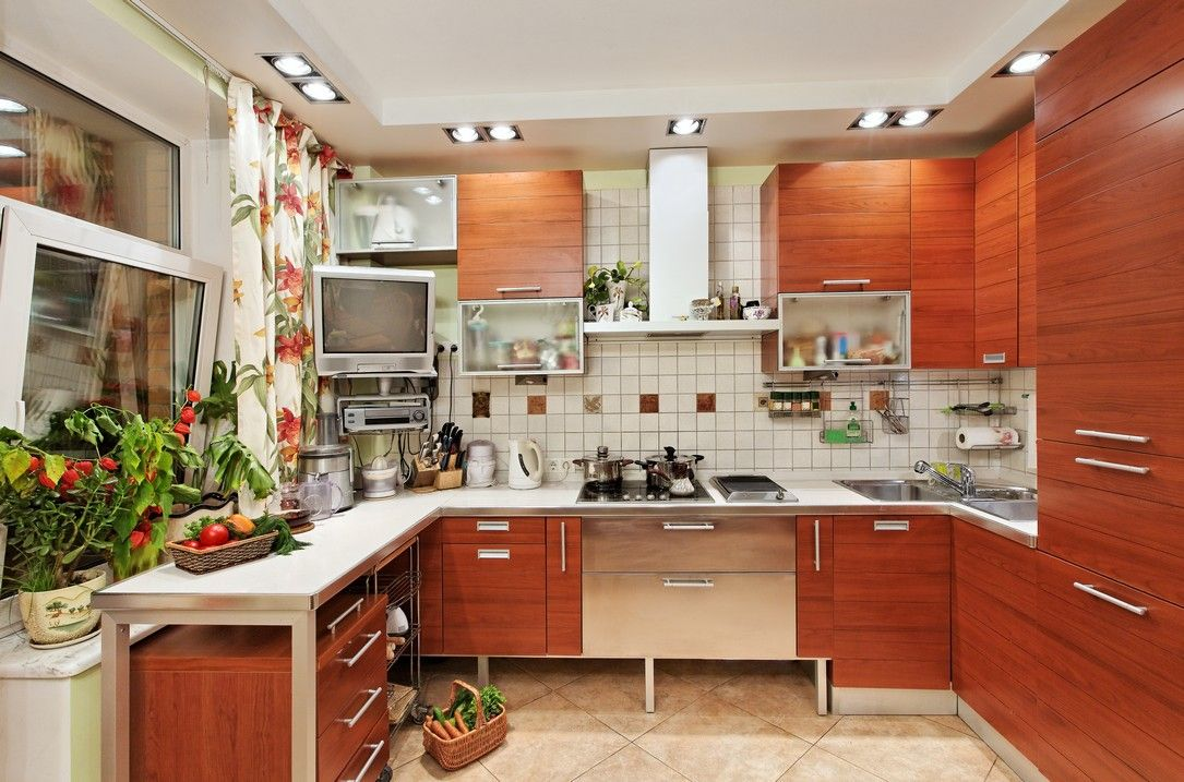 Kitchen with bright, contemporary flair