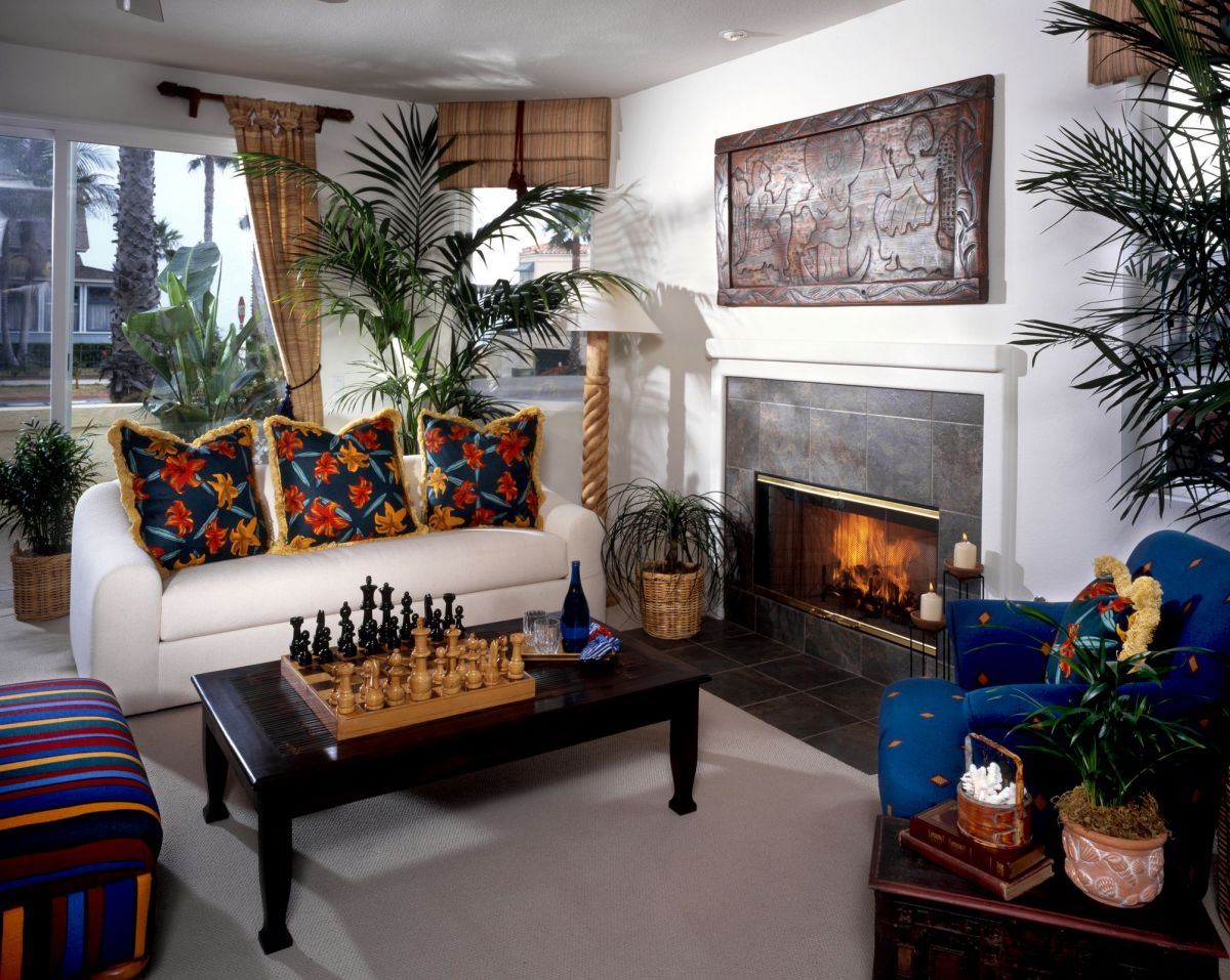 Master Study Fireplace with Chess Set
