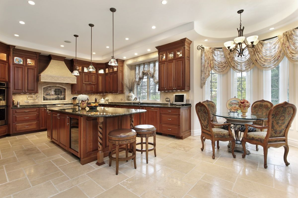 Elegant and inviting eat-in kitchen