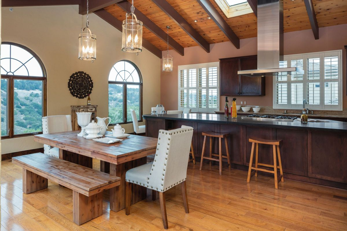 Wide, Lavish Kitchen Dining Room Set with Practical Countertops