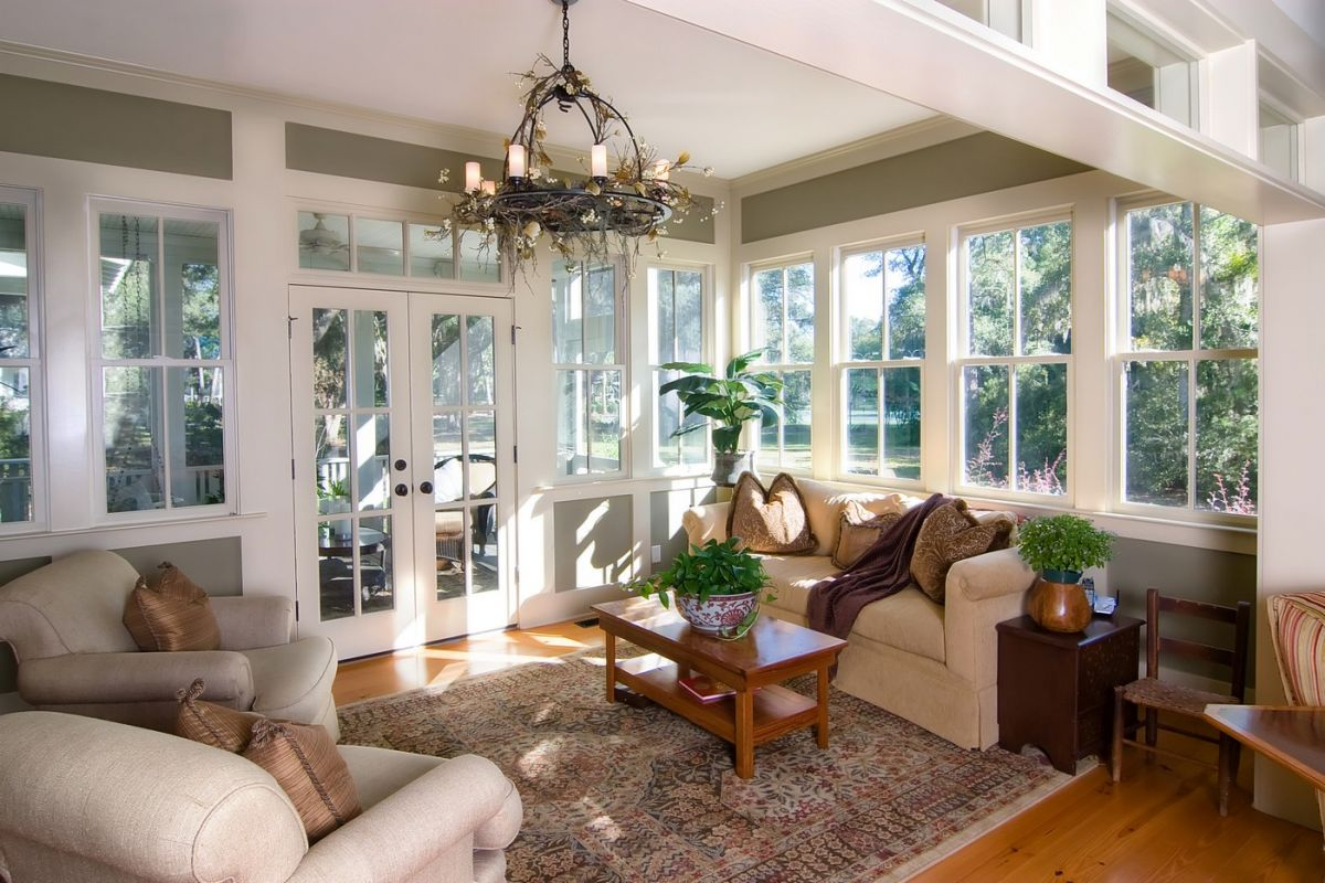 Big sunroom with understated style