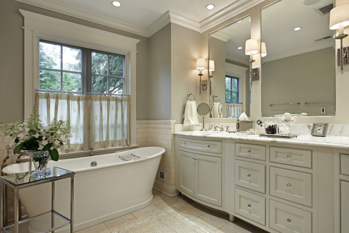 Elegant and luxurious bathroom with freestanding tub