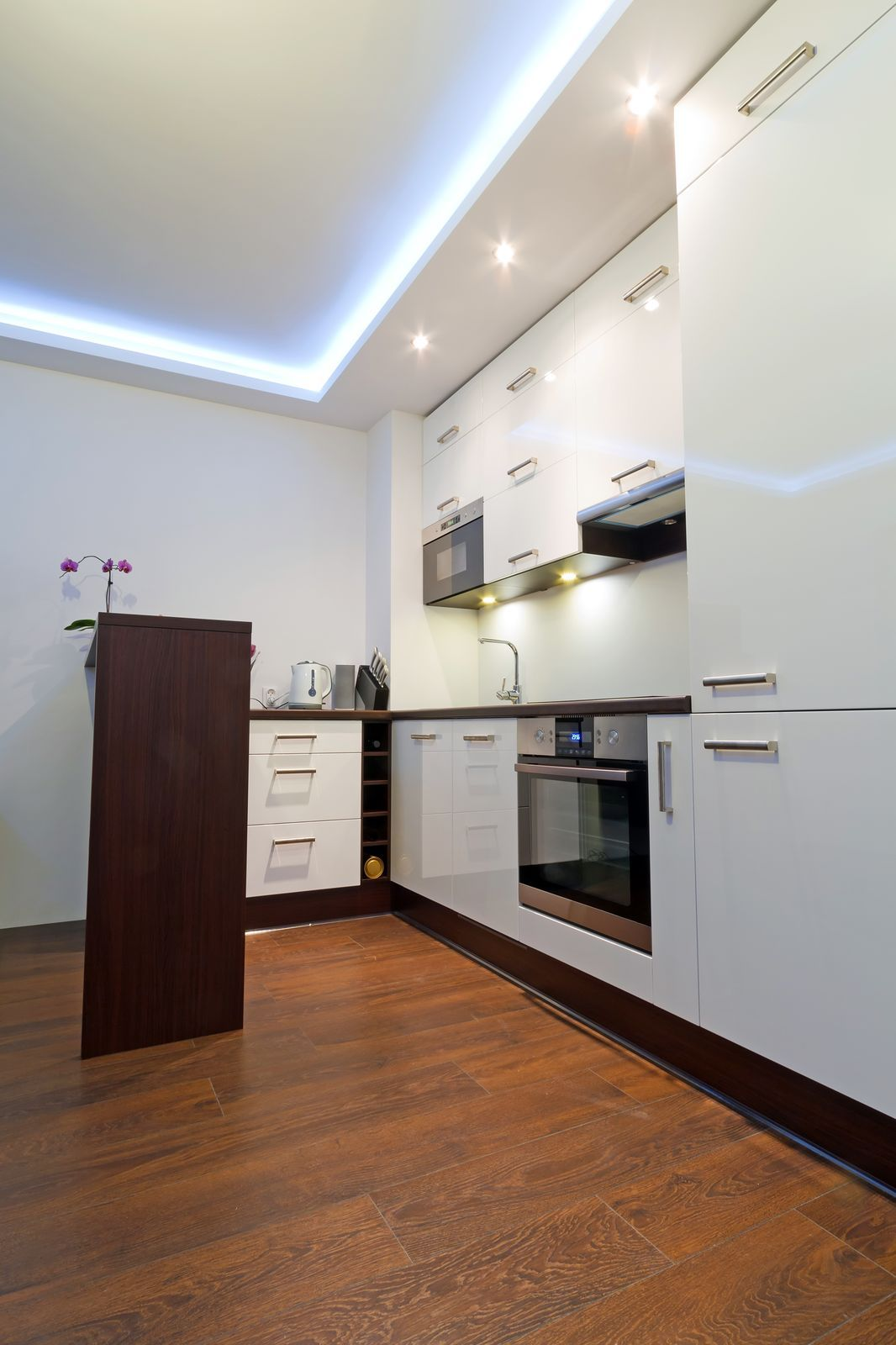 LED Lighting Around the Ceiling Perimeter of a Modern Day Kitchen