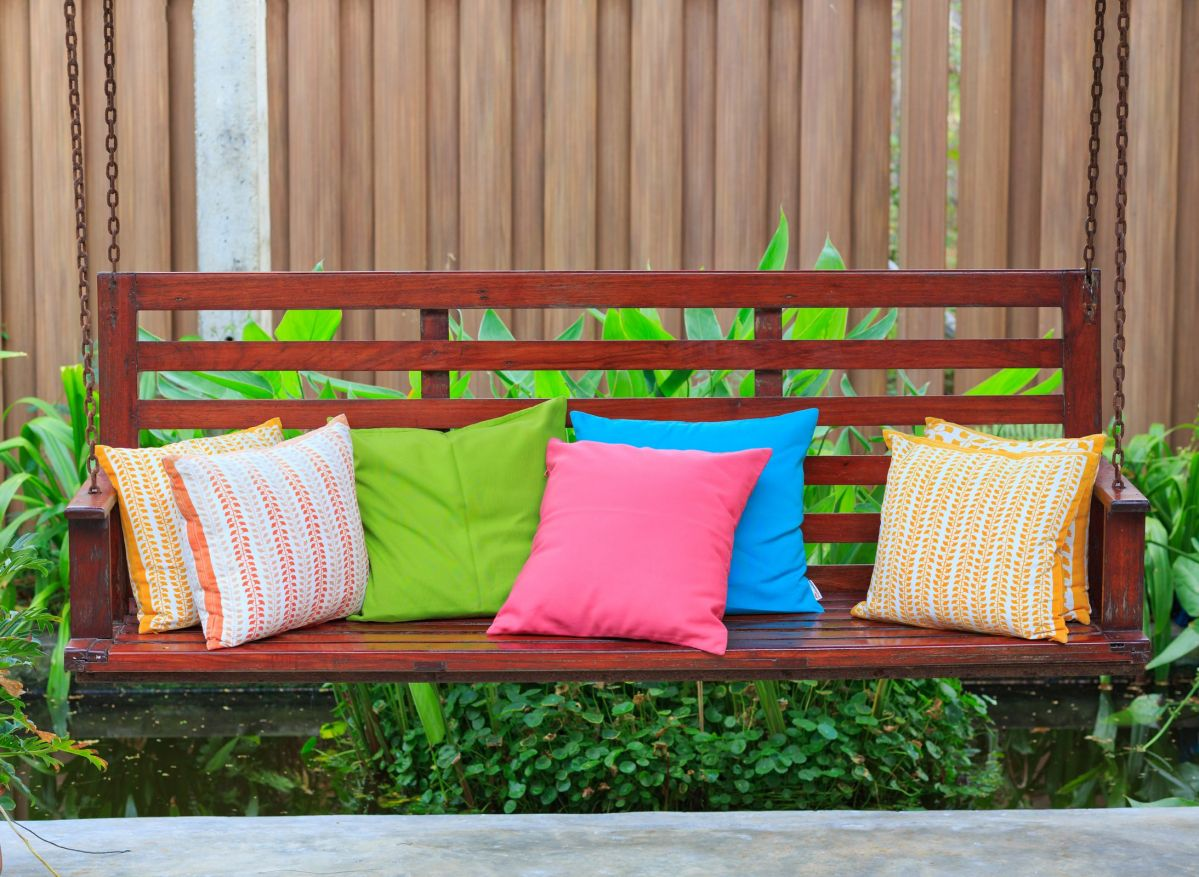 colorful pillows for a summery environment