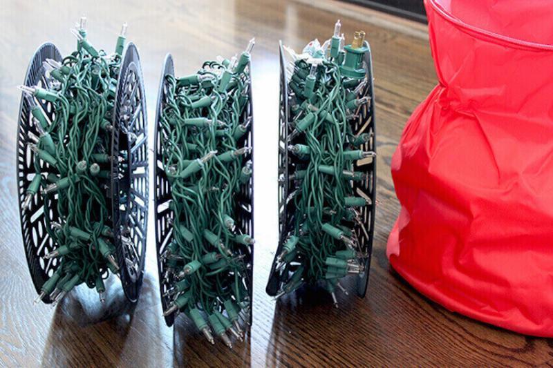 Homeowner hacks: organizing Christmas lights
