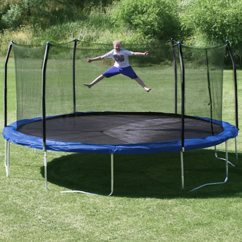 Exterior trampoline for outdoor fun