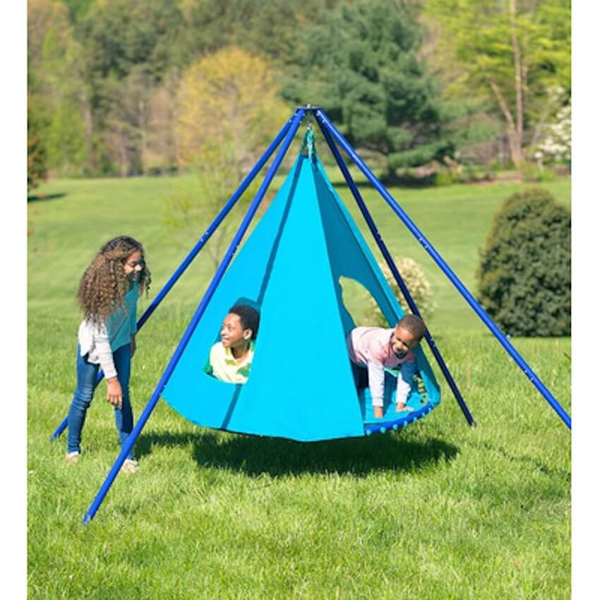 The ultimate fun idea: swinging cone set