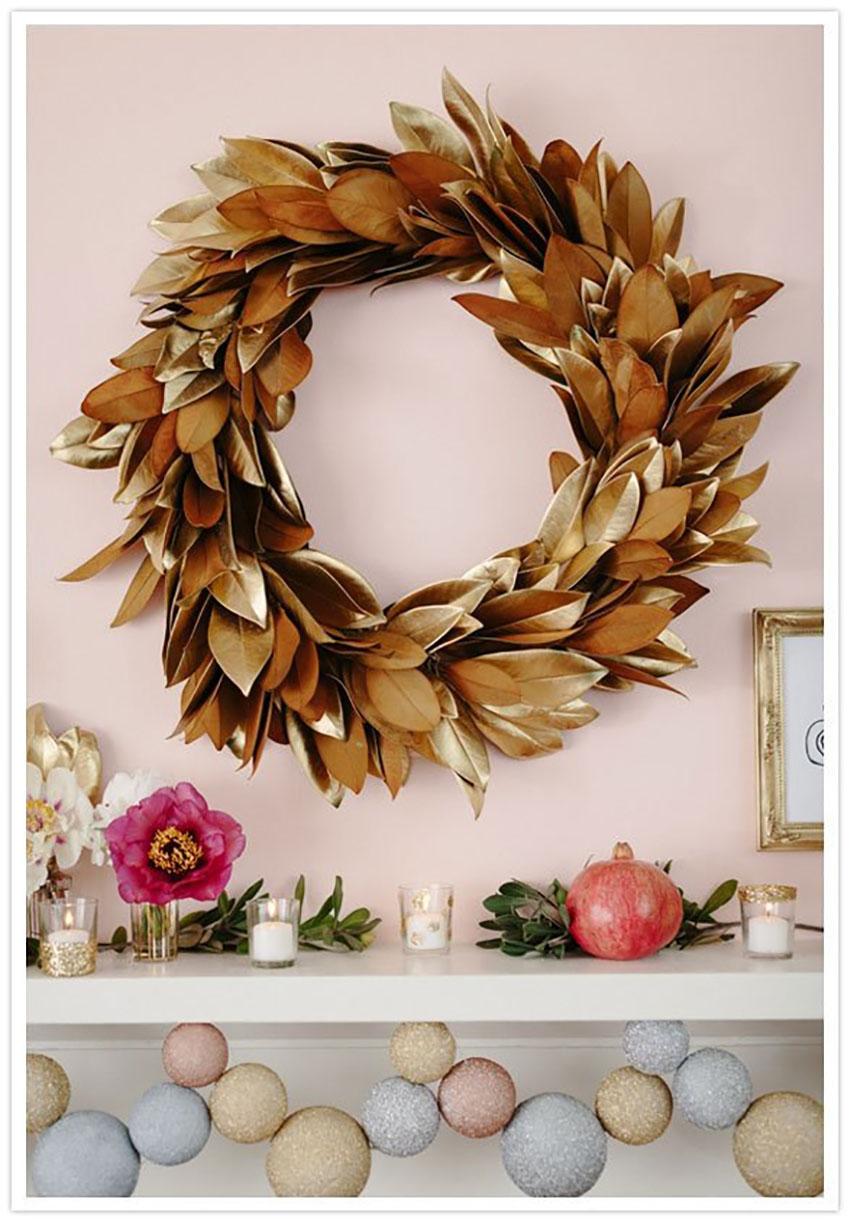 Golden Wreath Christmas Decor