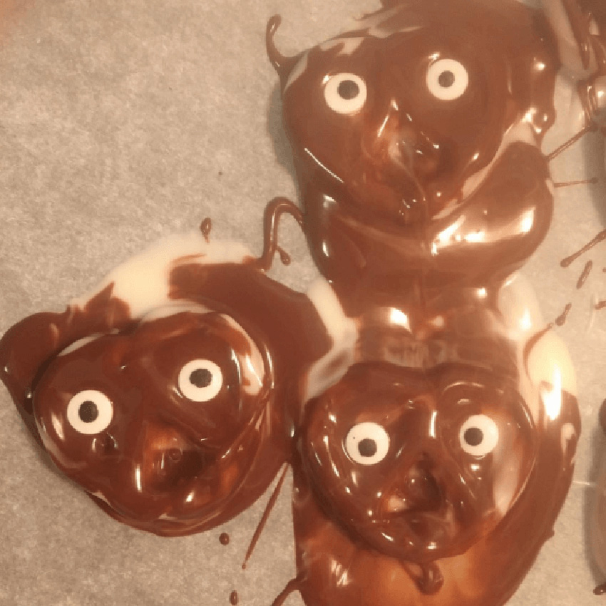 Goopy Ghosts - 10 Most Hilarious Thanksgiving Food Fails
