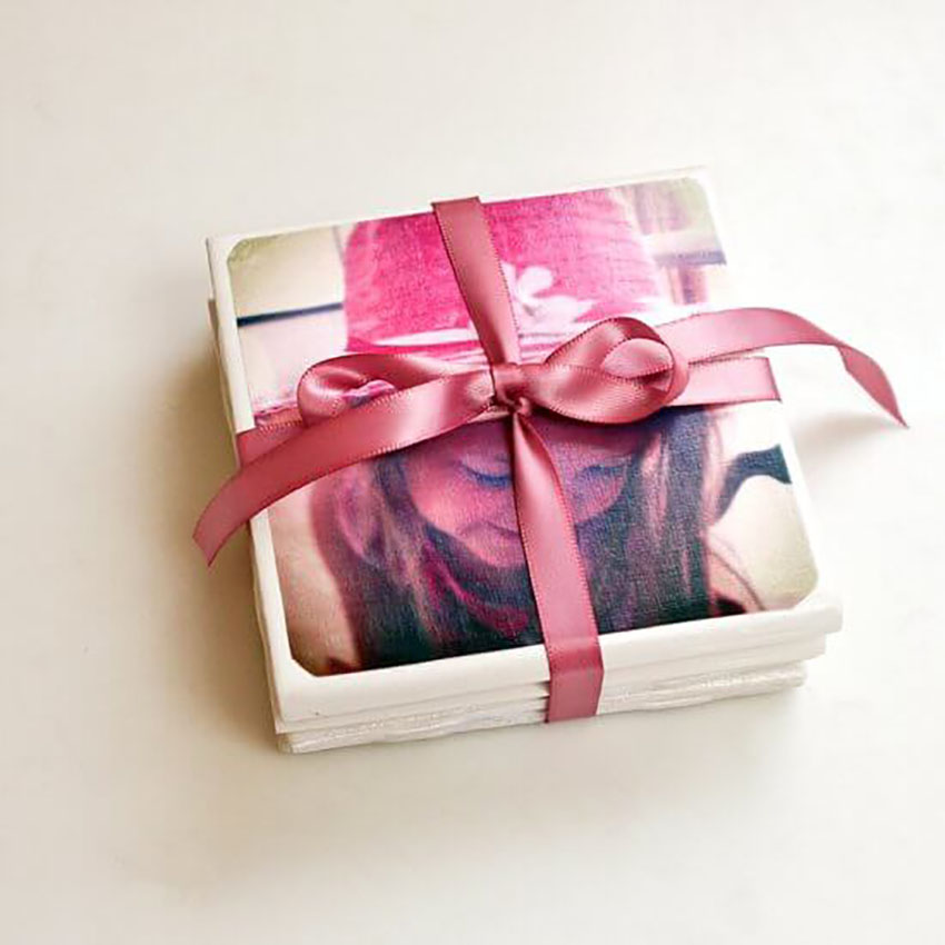 DIY Tile Photo Coasters - Christmas Gifts Make Yourself