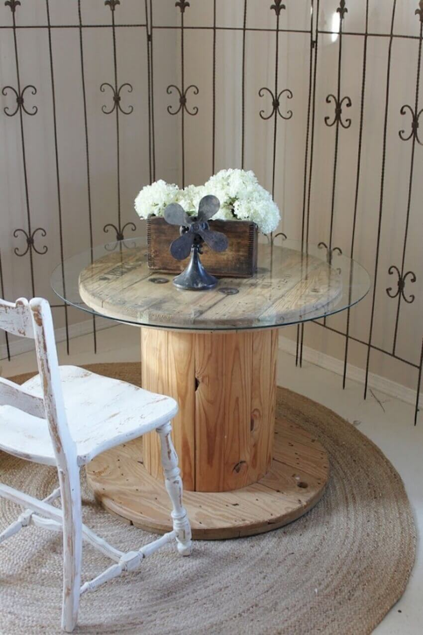 Have a seat at youe new favorite DIY table