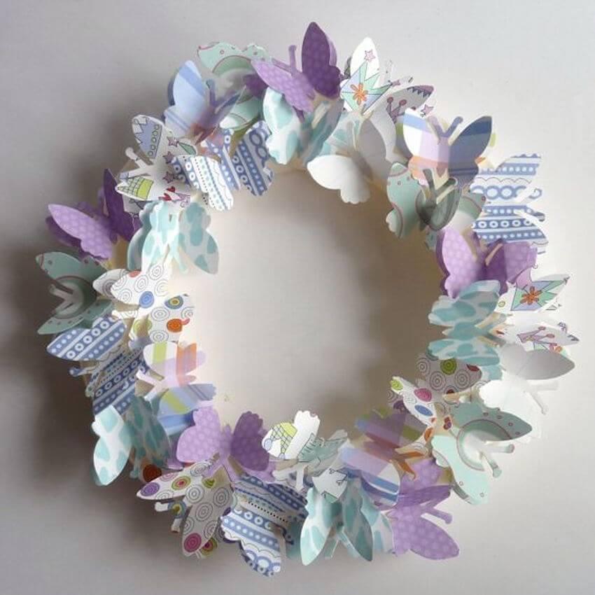 Brilliant DIY wreath display