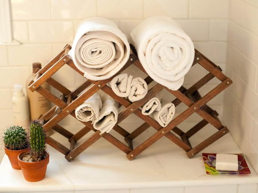 Bathroom towel hacks that make your tub more organized