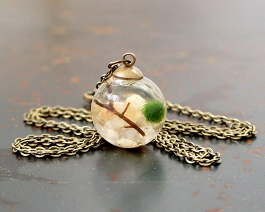 A necklace that's a moss terrarium!