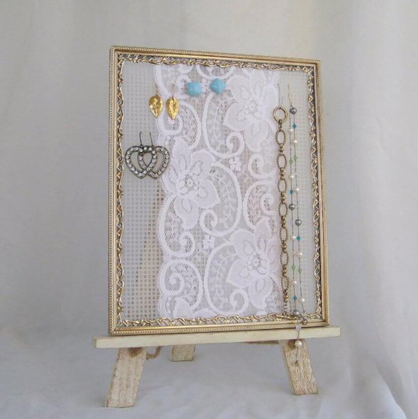 Home decor: Frames are incredibly versatile and easy to use for jewelry organization.