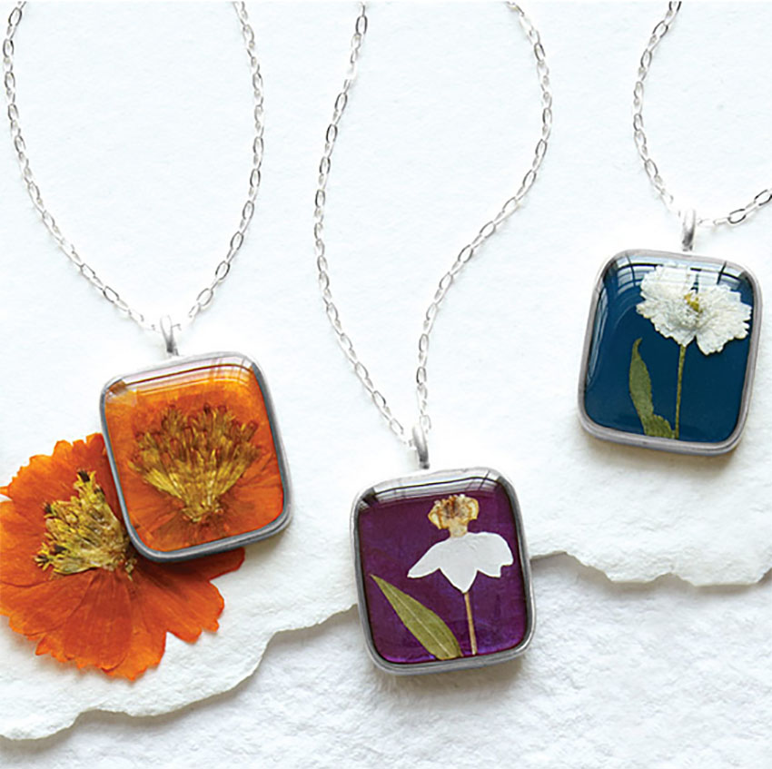 Birth Flower Necklace - Awesome Gift Ideas