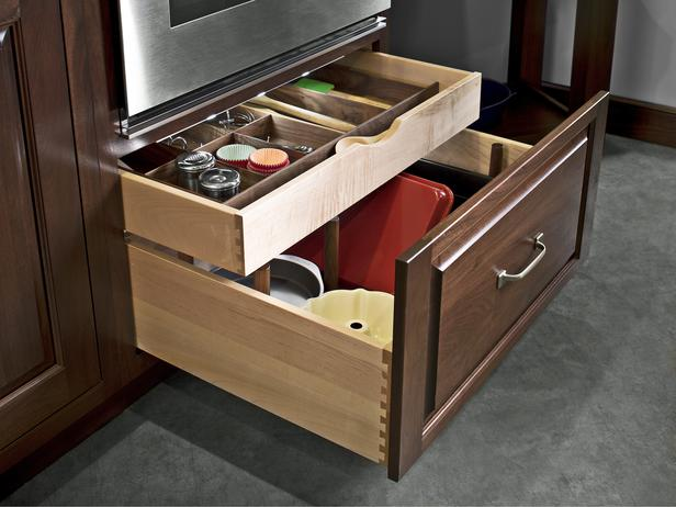 deep-kitchen-drawers