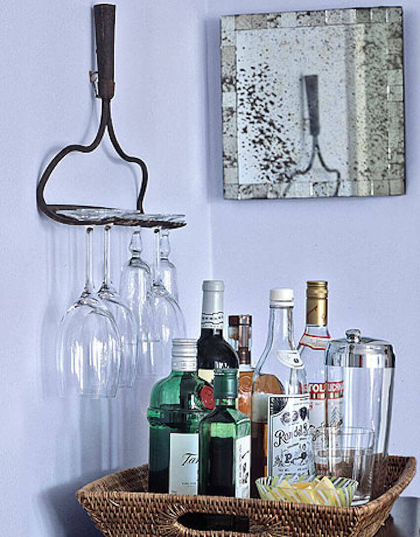 Brilliantly turn a rake into a glass-holder DIY project
