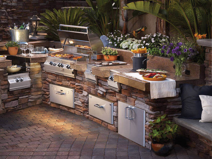 You dream kitchen outdoors: what better way to grill outside?