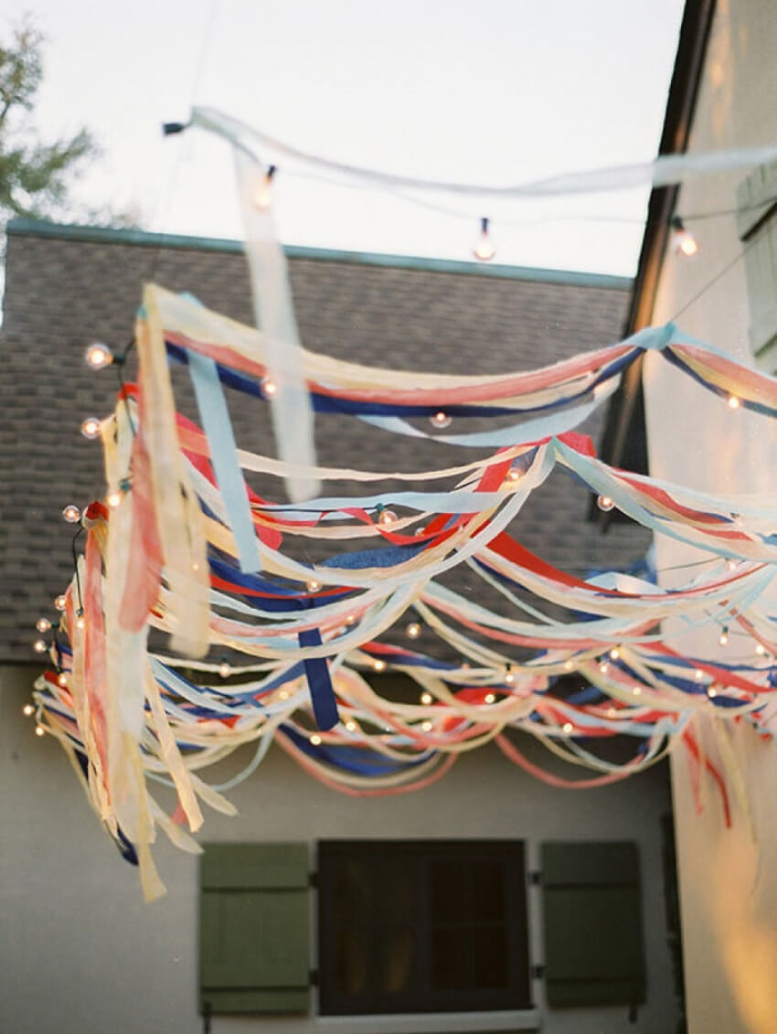 This idea is a great last-minute decoration option!