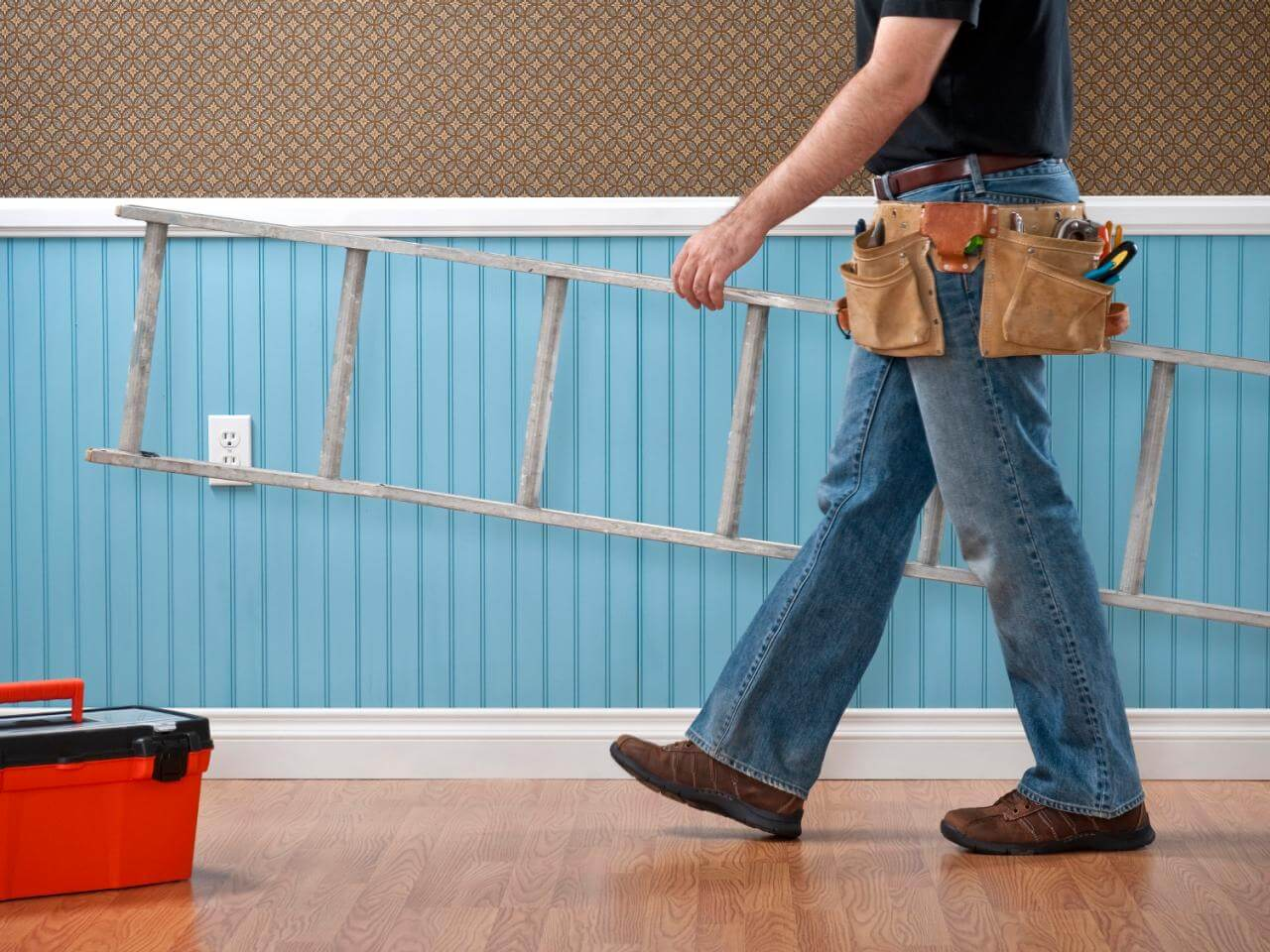 Here are the basics when it comes to a contractor