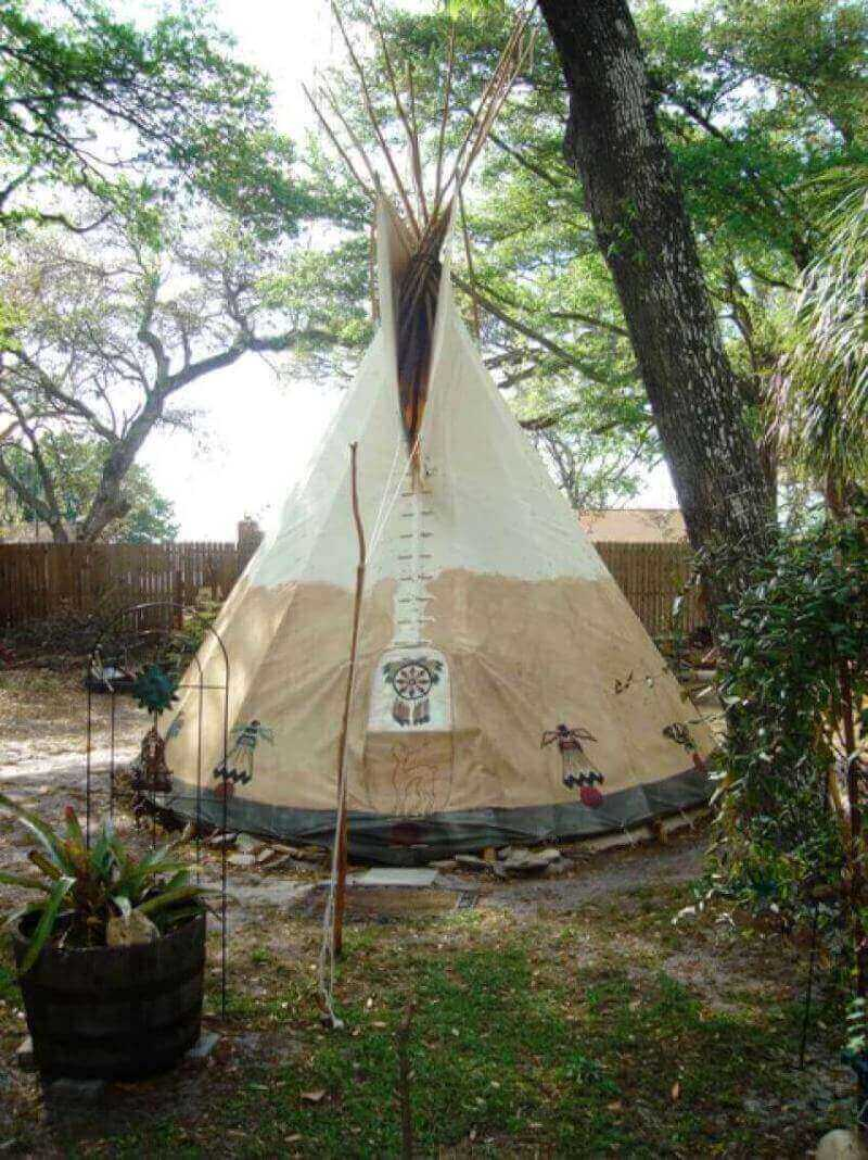 For the person who loves being outdoors as naturally as possible, a teepee is the perfect DIY project.