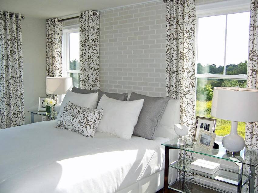 Painting the bedroom interior for a relaxed vibe