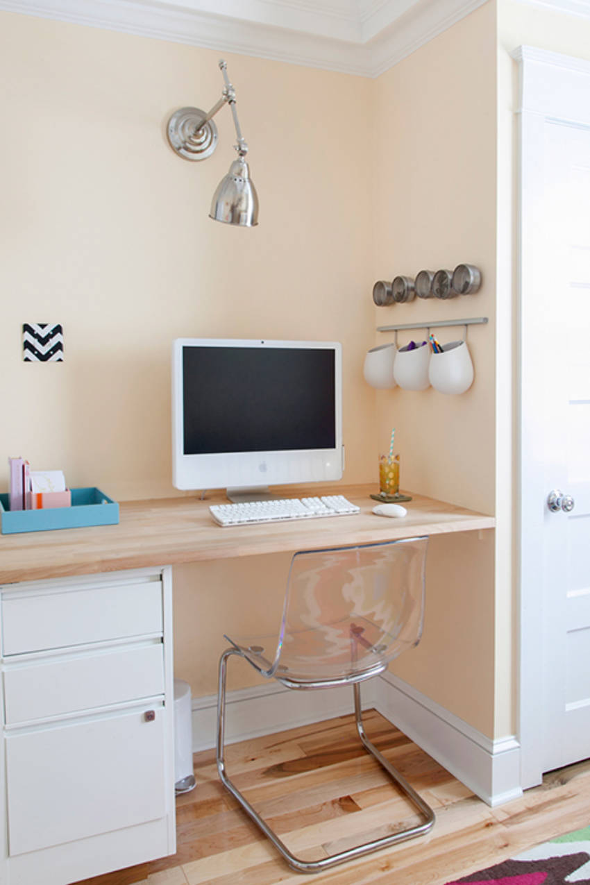 Creamy beige is perfect for a soothing work space.