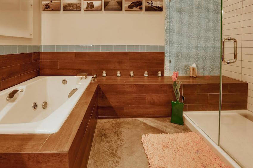 Wooden bathrooms are a thing now!