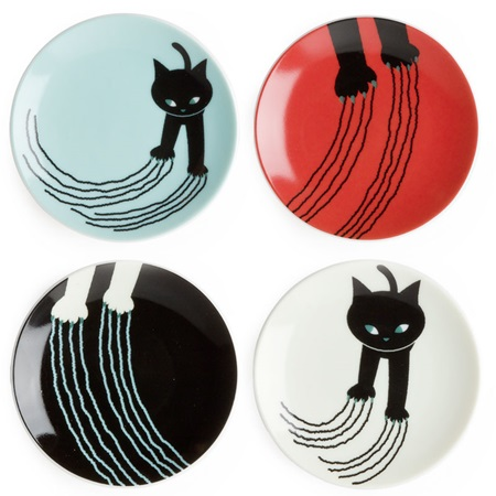 Cats can be devious, but we love them anyway. Celebrate their hijinks with these naughty cat plates.