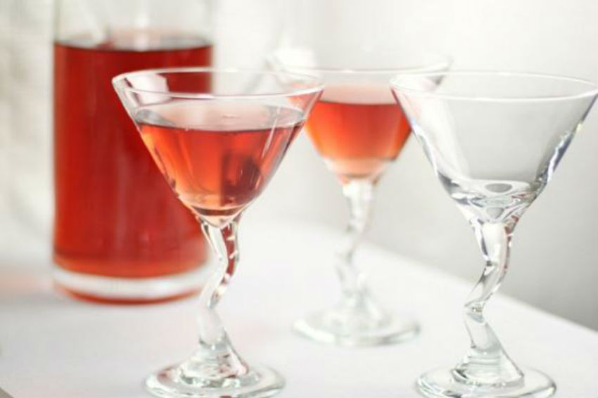 So easy to make you can have your guests mix it themselves. Image Source: Celebrations