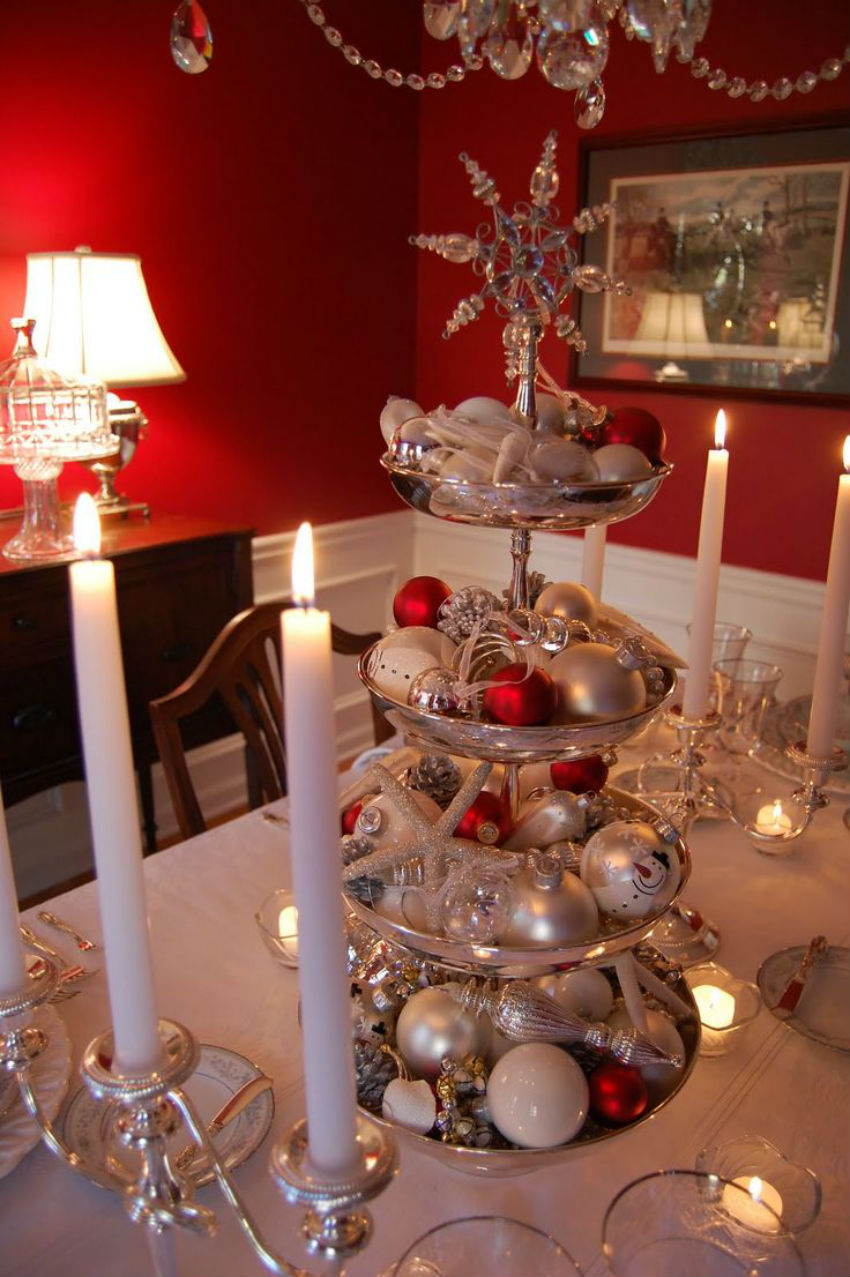 This is a red and silver simple decoration that won't cost you much. Image Source: BlogQPot
