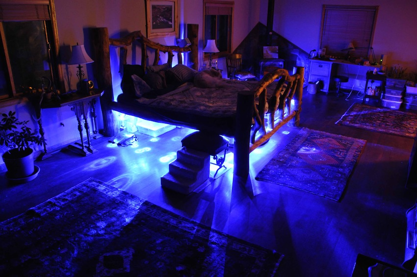 You'll never have to check under the bed again with this LED setup