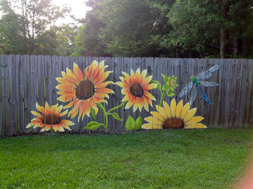 Impress the guests with a beautiful painted fence!