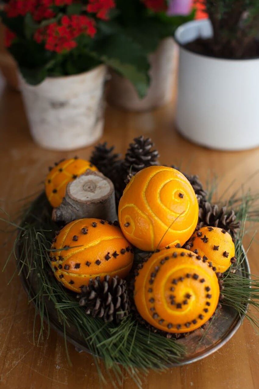 Pomander balls are perfect to sit on your center table.