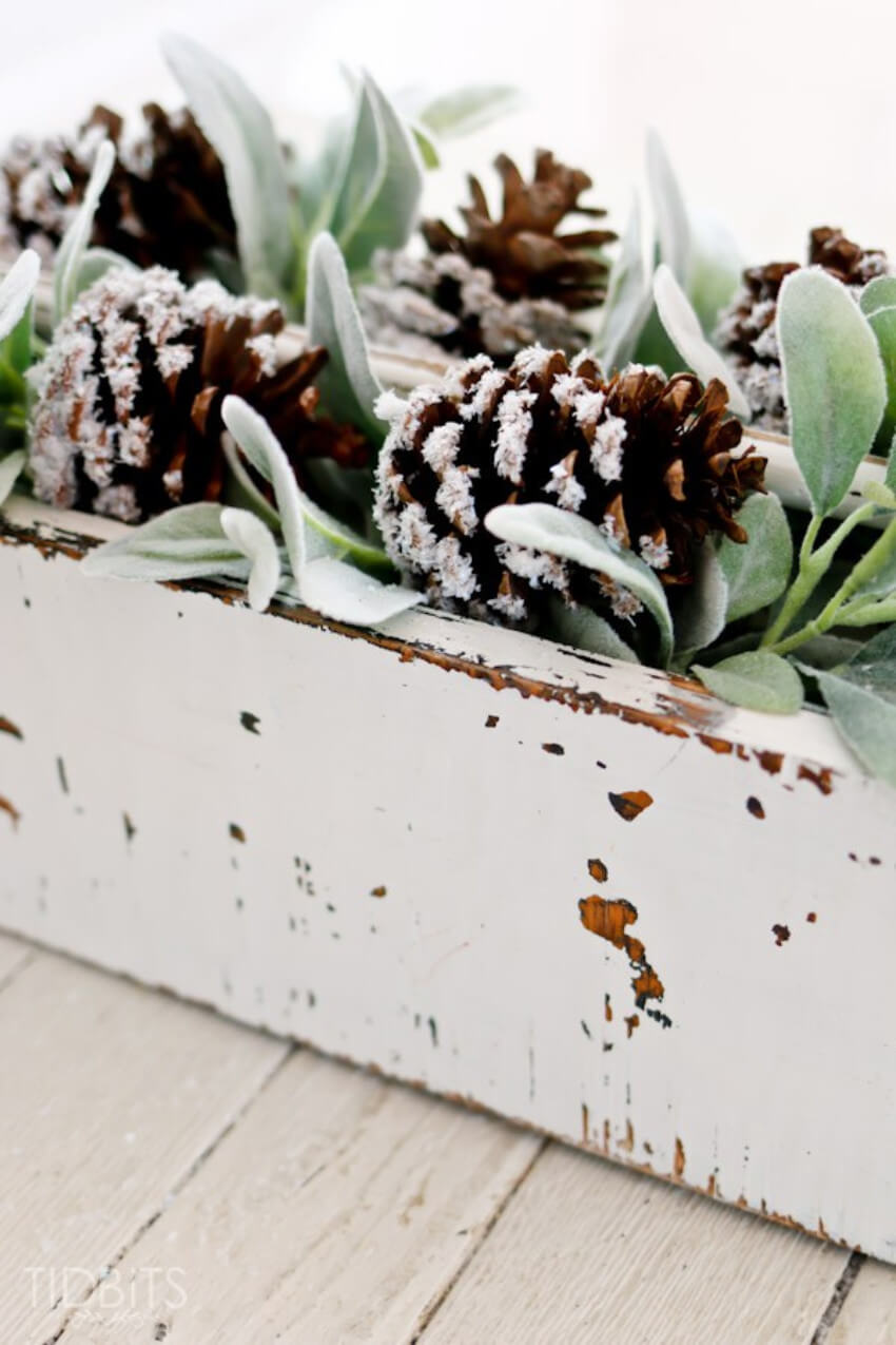 Snow covered pinecones look super beautiful in any decor!