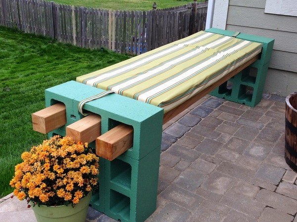 How to Make a DIY Garden Bench and DIY Wine Bar
