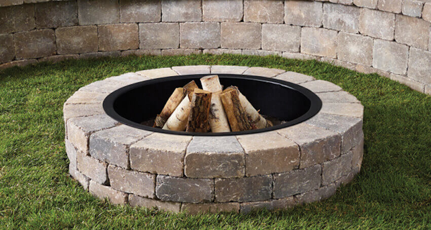 Your very own DIY fire pit for a backyard