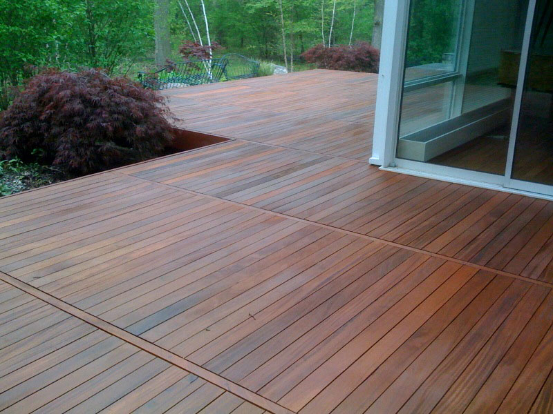 Deck installation with Ipe wood
