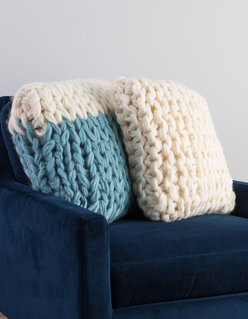 Amazing arm-knitted pillows you can make at home!