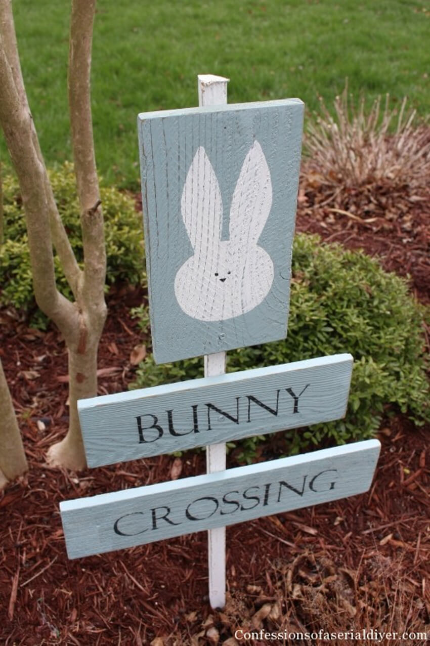 An amusing sign to place in your garden and spread the Easter joy!