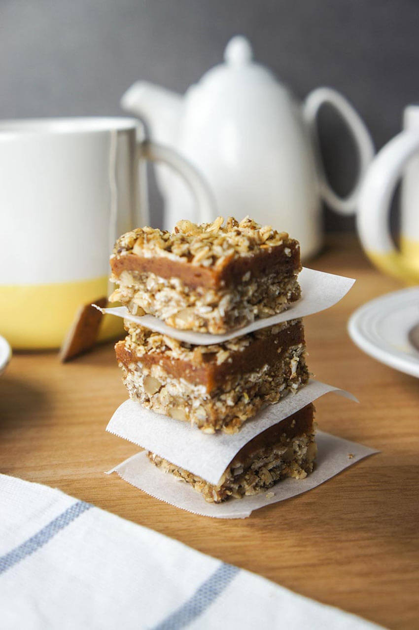 Homemade granola bars accompanied by some tea will help you fall asleep.