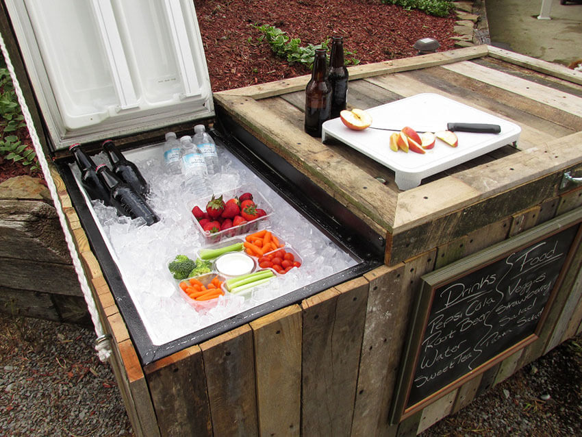 How to Make a DIY Rustic Cooler from an Old Refrigerator