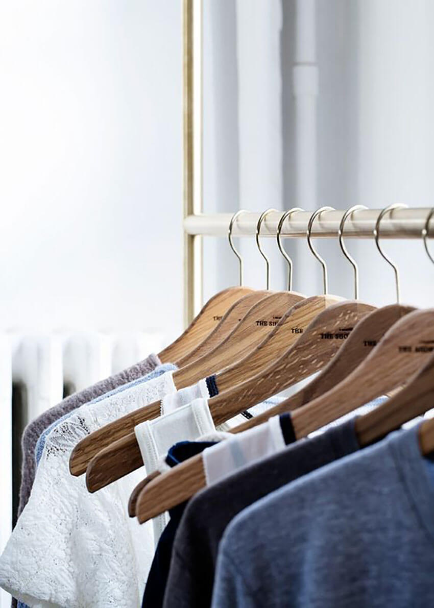 Use the same type of hangers to avoid visual noise.