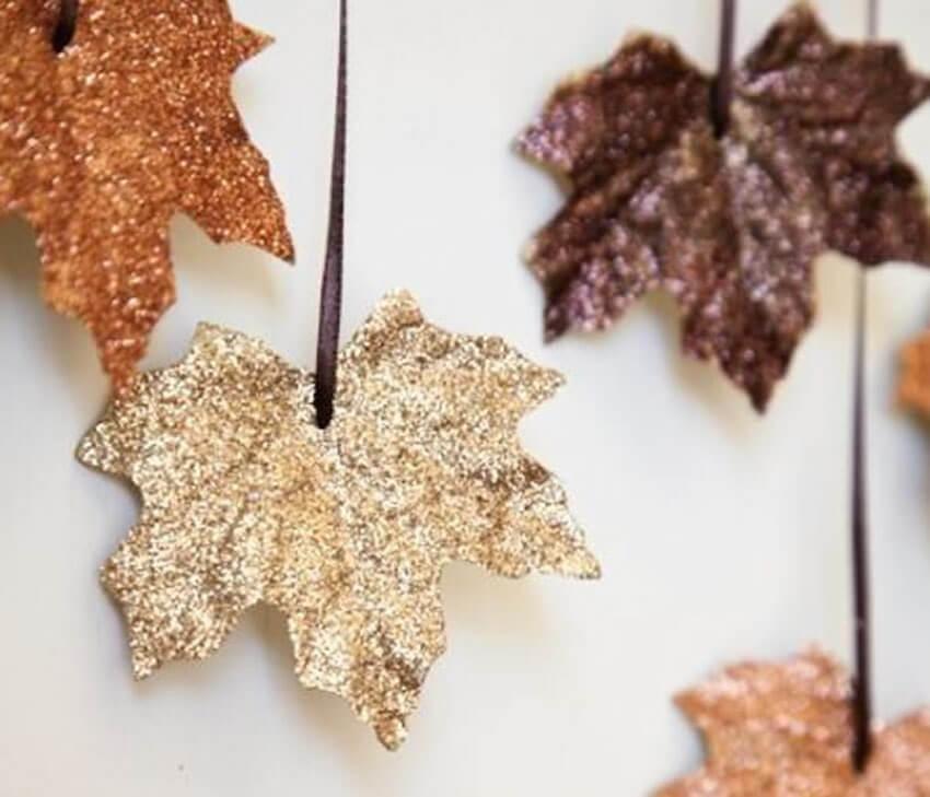 DIY Fall leaf decor spray painted beautifully