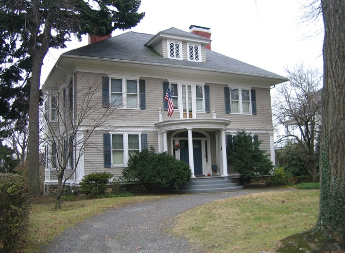 The Historic Strength of Colonial Style Homes