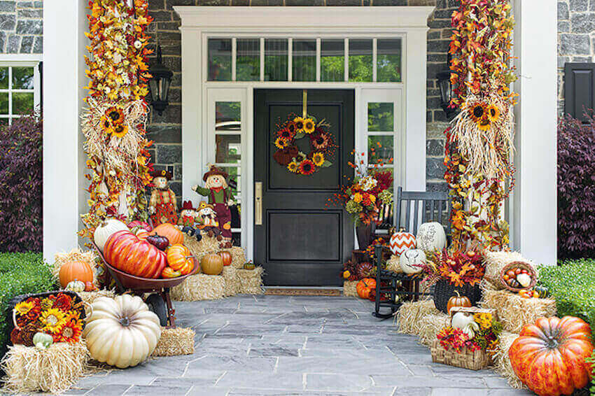 Beautiful pumpkin fall decor for a home's front