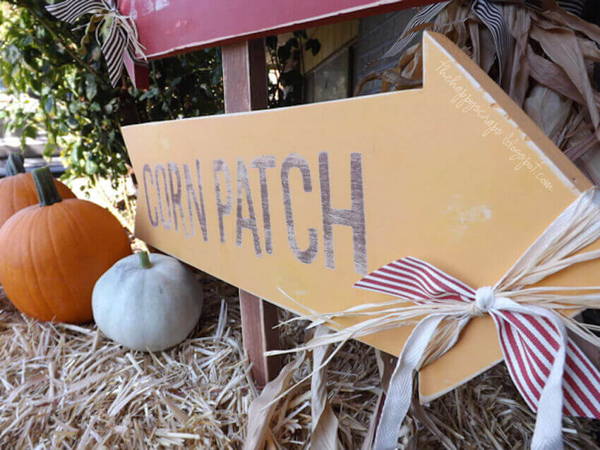 Custom exterior decor signs for your yard